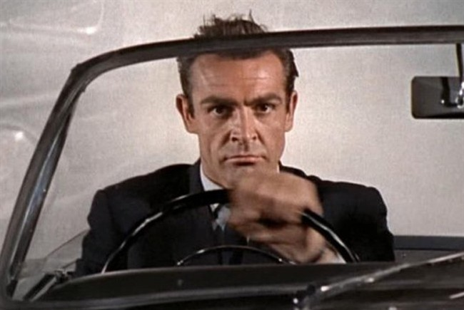sean-connery-licenza-di-uccidere-james-bond_650x435.jpg